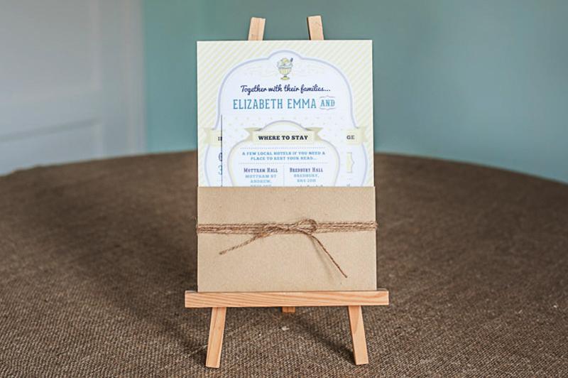 Shabshabby chic wedding invitation